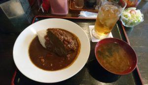 ひだりうま アンド エイワン木曜限定の300円カレーライス