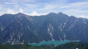 大観峰から見下ろす黒部湖と北アルプス その2