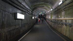 黒部ダムと駅までの連絡通路